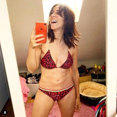 Lingerie, Undergarment, Clothing, Brassiere, Bikini, Selfie, Swimsuit bottom, Abdomen, Lingerie top, Thigh,