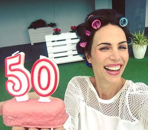 Face, Pink, Head, Cake decorating, Selfie, Lip, Smile, Ear, Cake, Happy,