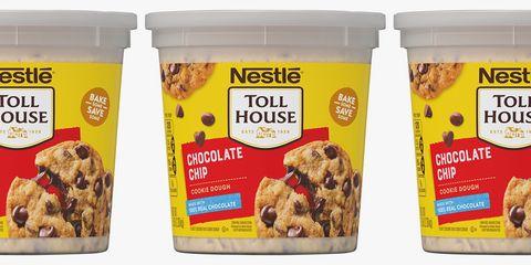 Food, Ingredient, Cuisine, Breakfast cereal, Snack, Dish, Chocolate chip, Vegetarian food, Granola, American food,