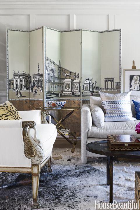 Folding Screens in Living Room Nestor Santa-Cruz