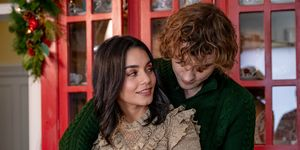 The Knight Before Christmas met Vanessa Hudgens en Josh Whitehouse - recensie