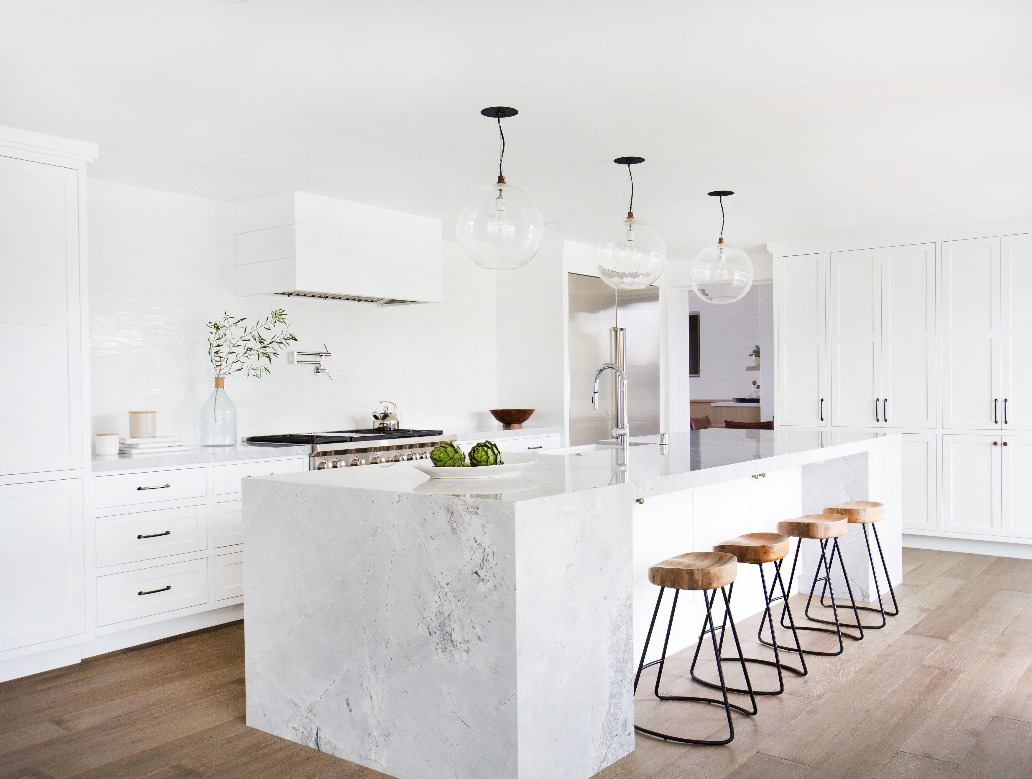 Courtesy of Amber Interiors. White kitchens ... & 15 White Kitchen Design Ideas - Decorating White Kitchens