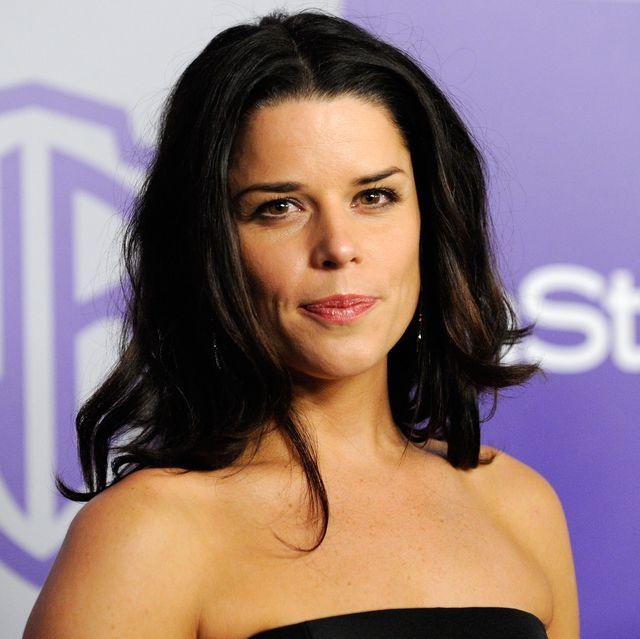 beverly hills, ca   january 17 actress neve campbell arrives at the instyle and warner bros 67th annual golden globes after party held at the oasis courtyard at the beverly hilton hotel on january 17, 2010 in beverly hills, california  photo by kevork djanseziangetty images