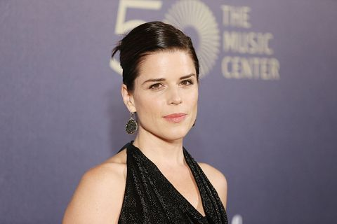 los angeles, ca   december 06  neve campbell arrives at the music centers 50th anniversary spectacular held at dorothy chandler pavilion on december 6, 2014 in los angeles, california  photo by michael tranfilmmagic