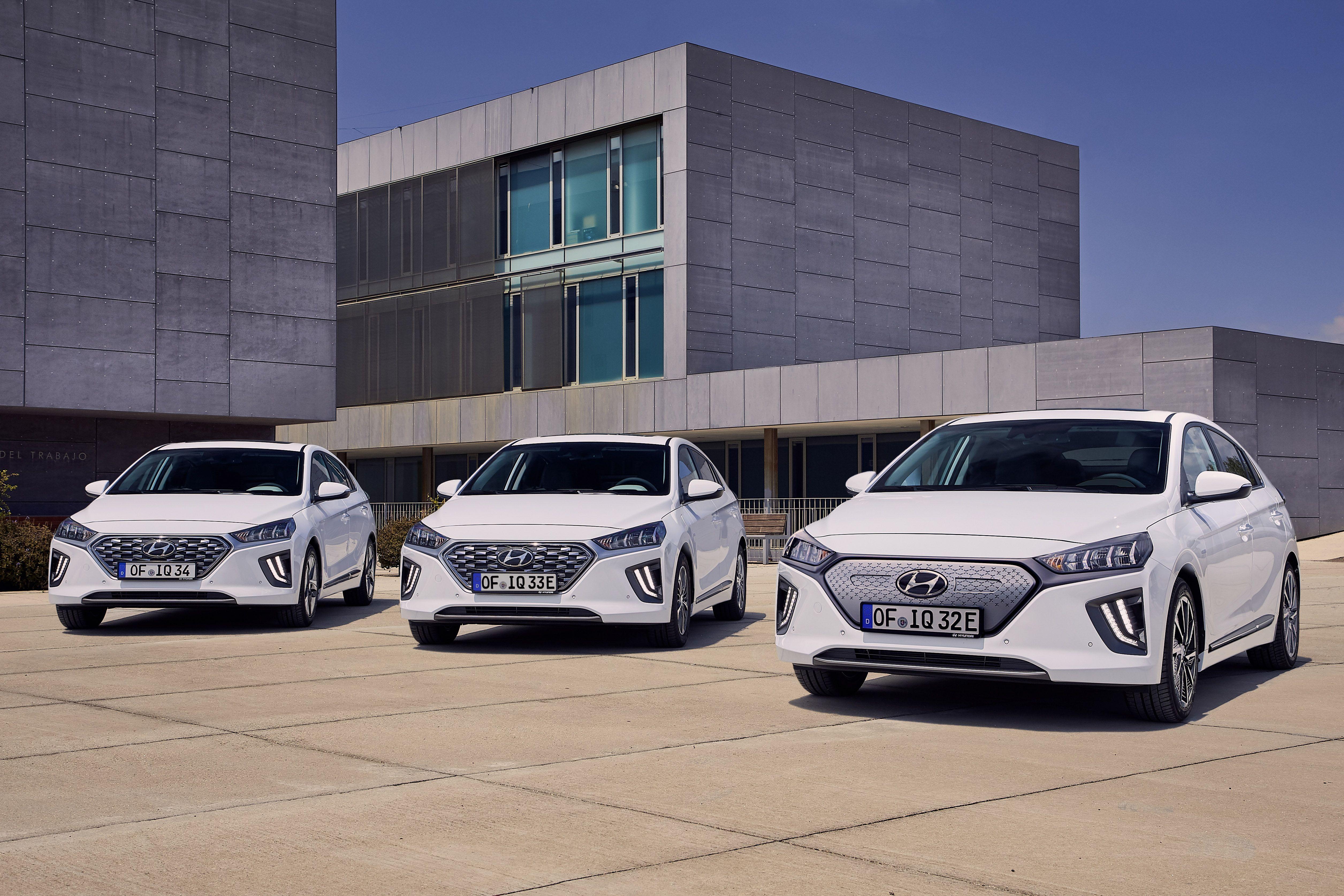 2020 Hyundai Ioniq Hybrid - New Styling, Big New Screen, Bigger Battery
