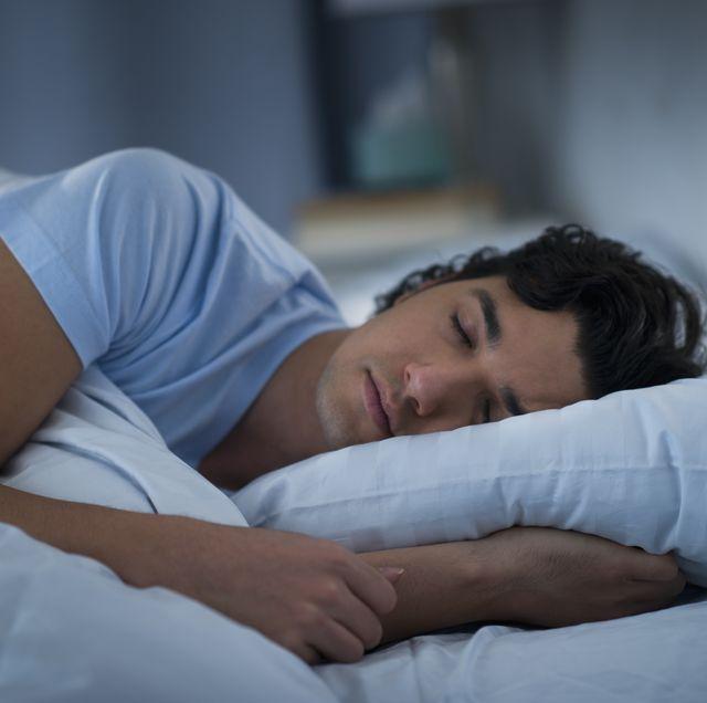 more screen time less sleep