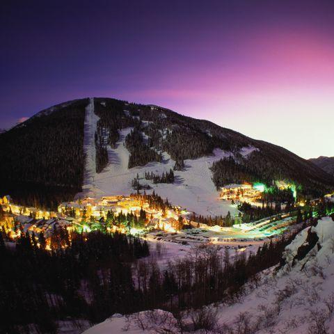 eua, novo méxico, vale de esqui de taos iluminado ao pôr do sol
