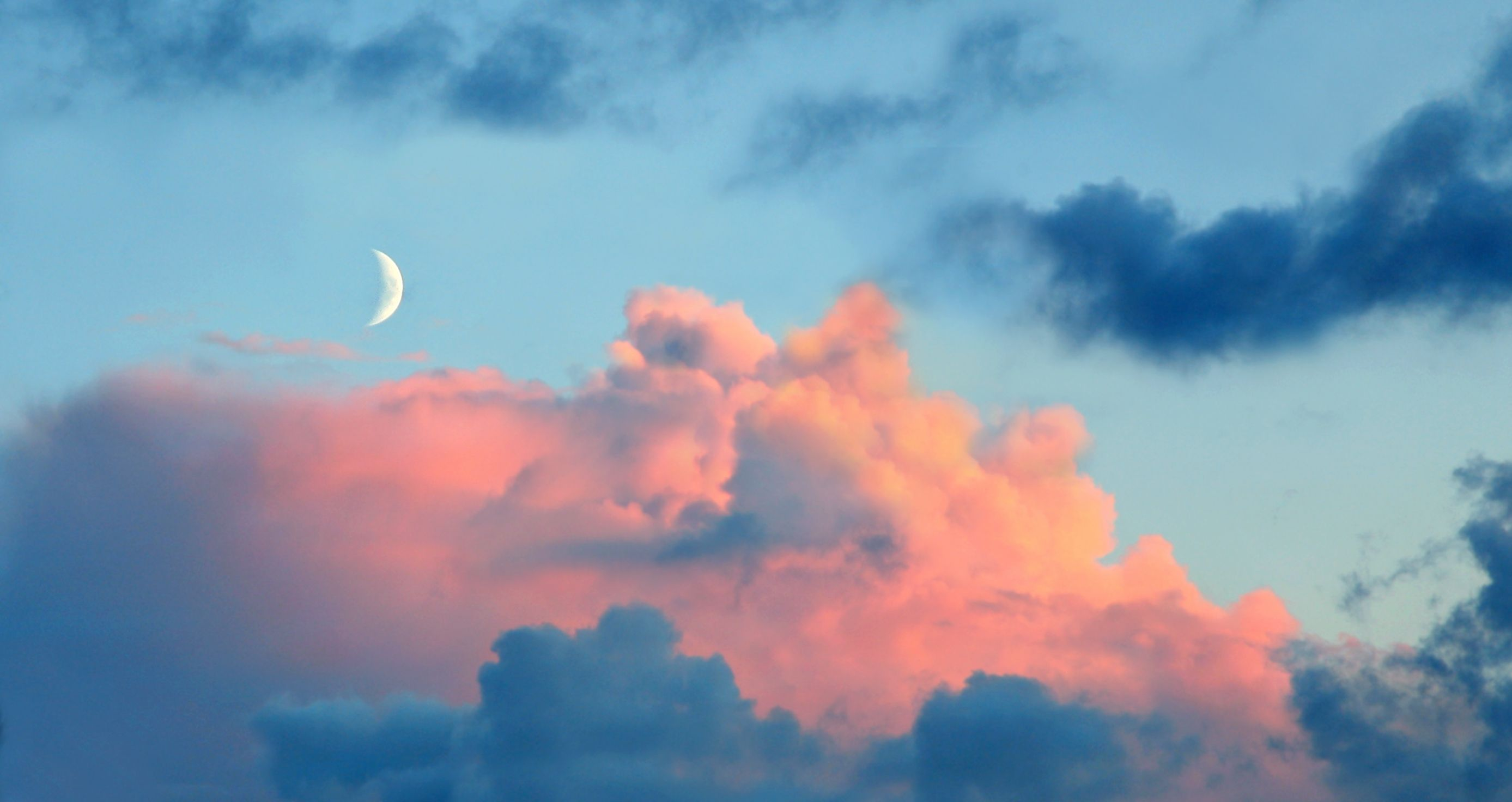 August's New Moon In Virgo Is Here, And It Might Inspire You To Make Big Changes