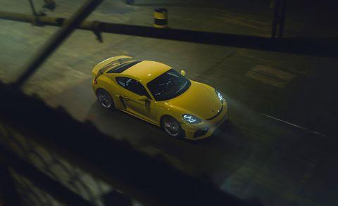Land vehicle, Vehicle, Car, Yellow, Automotive design, Sports car, Performance car, Supercar, Coupé, Porsche,