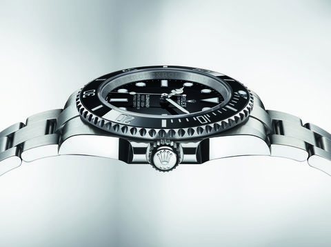 everything you need to know about the the rolex submariner ref 124060