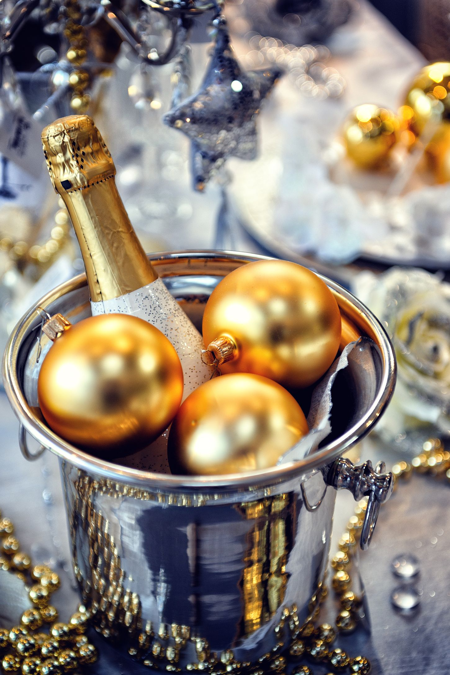 new years eve party themechampagne