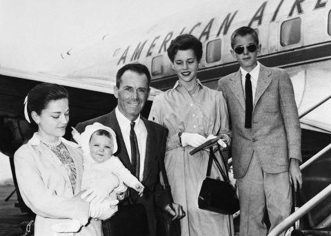 fonda family at airport