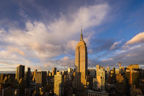 USA, New York State, New York City, Cityscape with Empire State Building at sunset