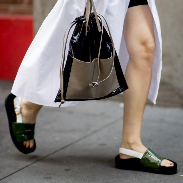 moda scarpe 2020, sandali 2020, sandali plateau, sandali con plateau, sandali estivi, sandali low cost, sandali tacco low cost, sandali economici online, sandali platform low cost, sandali zara,