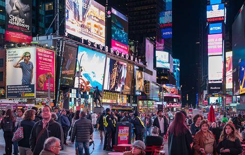 紐約時代廣場New York Times Square night scenes featuring the crowd and...