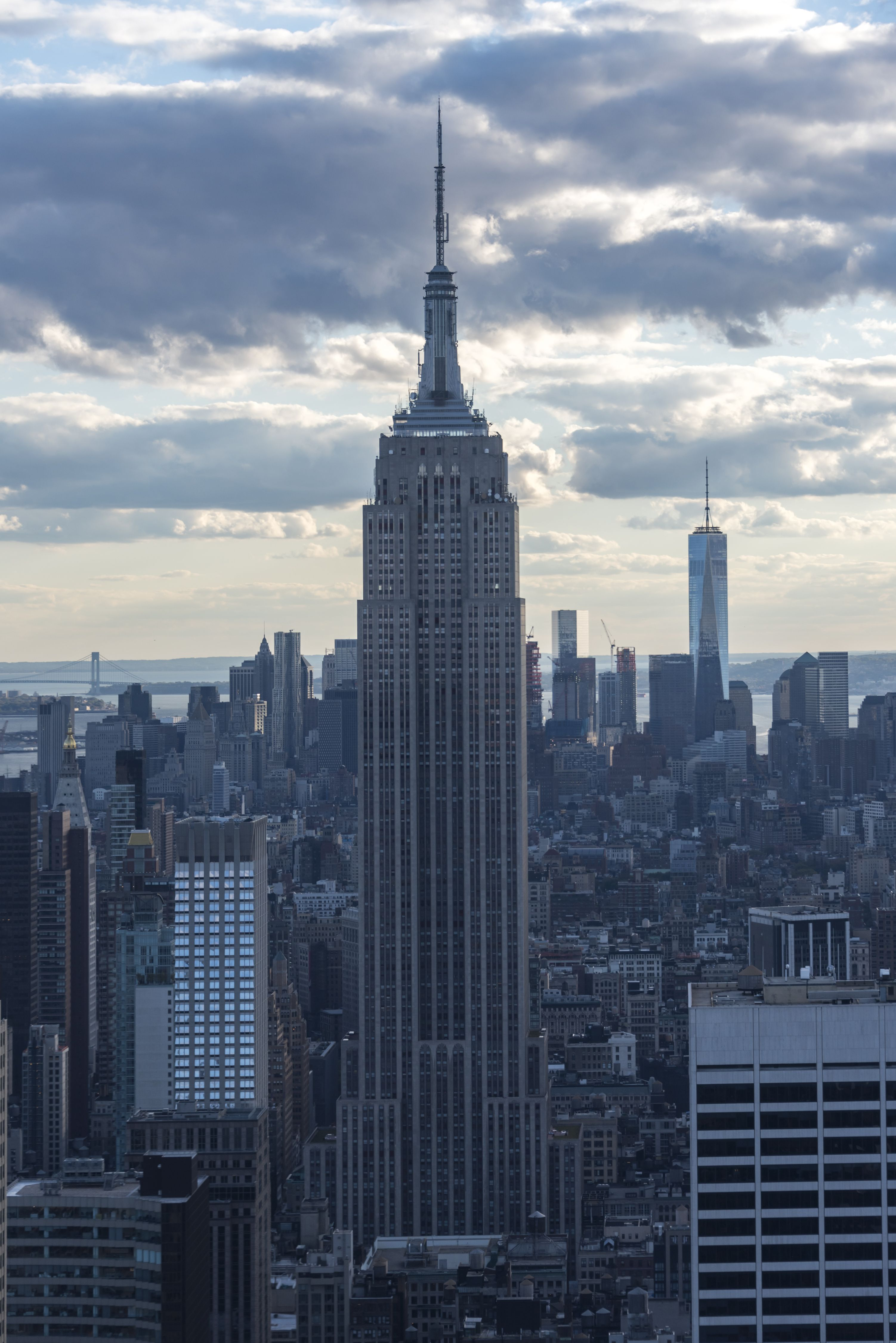 New York tours and attractions: Empire state building in New...
