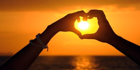 Finger, Sun, Photograph, Sunset, Sunrise, People in nature, Amber, Heat, Sunlight, Horizon,