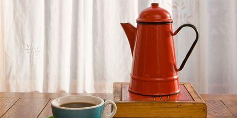 Coffee cup, Cup, Serveware, Wood, Dishware, Drinkware, Teacup, Drink, Tableware, Table,