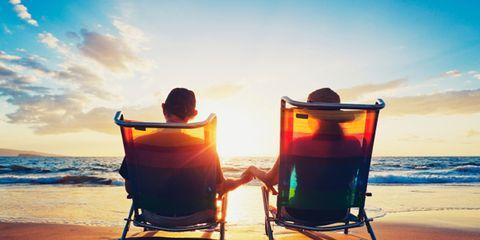Sky, Coastal and oceanic landforms, Fluid, Horizon, Ocean, Beach, Sunlight, Shore, Chair, Sea,