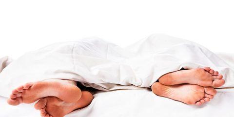 Finger, Comfort, Wrist, Linens, Nail, Thumb, Blanket, Bed sheet, Bedding, Sleep,
