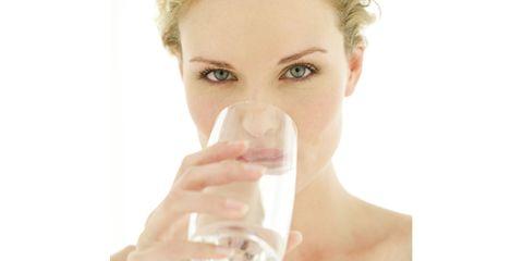 Lip, Finger, Skin, Glass, Eyebrow, Eyelash, Jaw, Beauty, Drinking, Transparent material,
