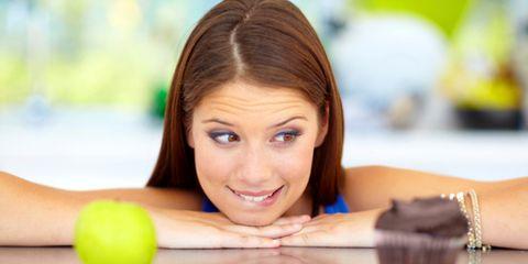 Hairstyle, Skin, Ball, Leisure, Ball, Beauty, Chest, Eyelash, Tennis ball, Brown hair,