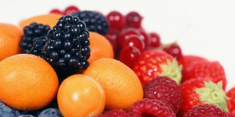 Eating fruit might not help with weight loss; plate of fruit