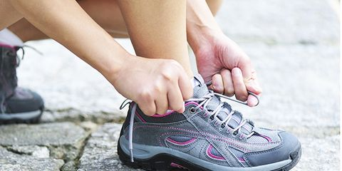 sneakers and foot pain