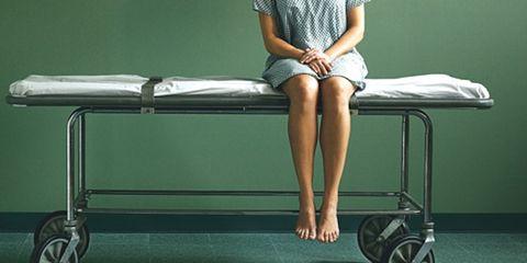 Human leg, Shoulder, Comfort, Joint, Knee, Elbow, Rim, Sitting, Automotive wheel system, Alloy wheel,