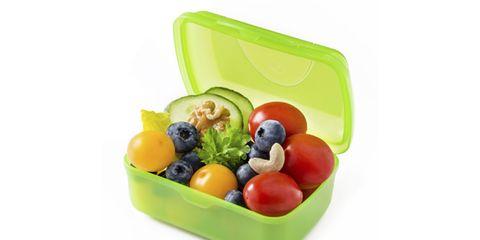 Fruit, Food, Produce, Bowl, Ingredient, Serveware, Flowering plant, Storage basket, Home accessories, Natural foods,