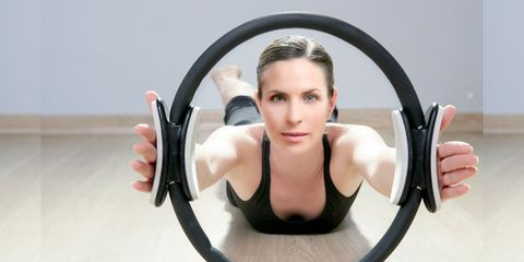 Hand, Wrist, Physical fitness, Muscle, Chest, Circle, Exercise, Active tank, Balance, Fitness professional,