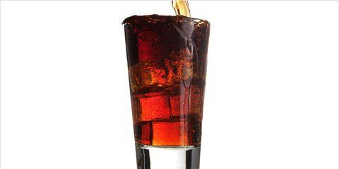 diet soda linked to depression; glass of soda