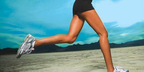 Human leg, Joint, Summer, People in nature, Athletic shoe, Knee, Azure, Calf, Muscle, Thigh,