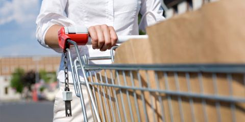 common food frauds; woman with grocery cart