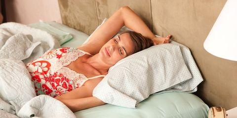 Human, Comfort, Shoulder, Elbow, Linens, Sleep, Living room, Bedding, Nap, Pillow,