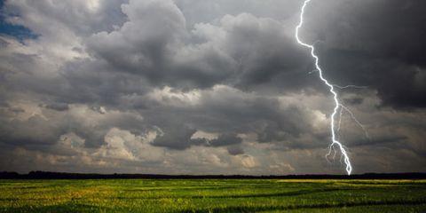 lightning might trigger migraines; lightening storm
