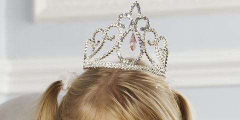 Crown, Hair accessory, Bridal accessory, Headpiece, Style, Fashion accessory, Headgear, Costume accessory, Tiara, Fashion,