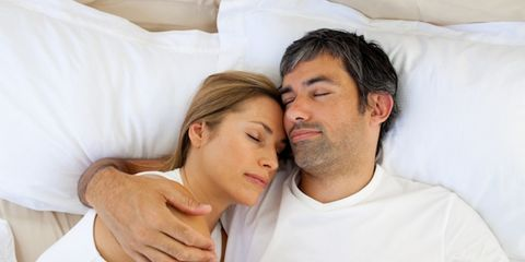 Ear, Comfort, Linens, T-shirt, Interaction, Neck, Love, Beard, Romance, Pillow,