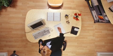 Media multitasking might contribute to depression; woman working