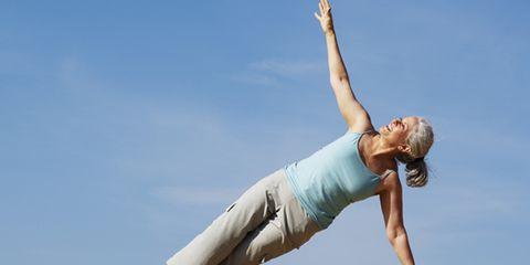 Human leg, Elbow, Shoulder, Joint, Standing, Leisure, People in nature, Summer, Knee, Wrist,