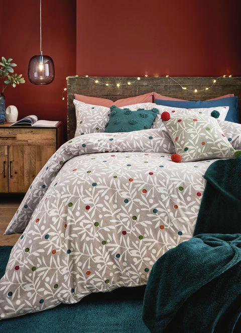 26 Christmas Bedding Sets Best Christmas Duvet Sets