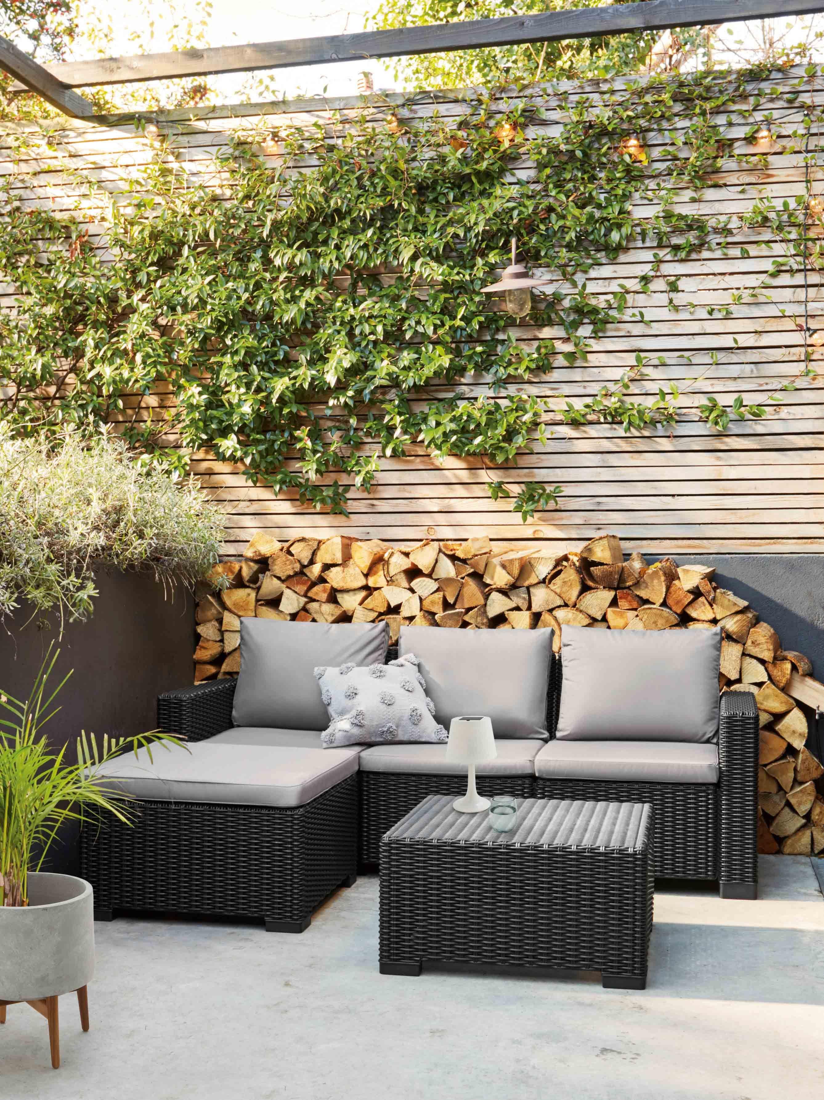 9 Outdoor Garden Room Ideas To Consider - Outdoor Living Room