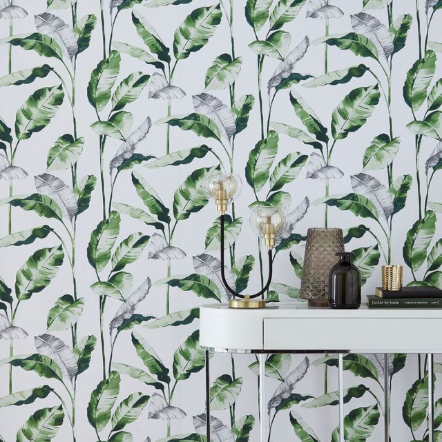 Paste the wall banana leaf wallpaper,Next