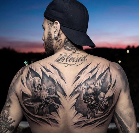 El Nuevo Tatuaje De Neymar Spiderman Batman Y Una Partida De Poquer