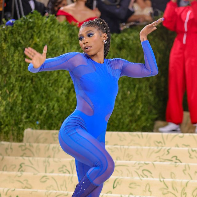 new york, new york   september 13 gymnast nia dennis attends the 2021 met gala celebrating in america a lexicon of fashion at metropolitan museum of art on september 13, 2021 in new york city photo by theo wargogetty images