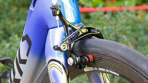 Nibali's Corima carbon fiber wheels