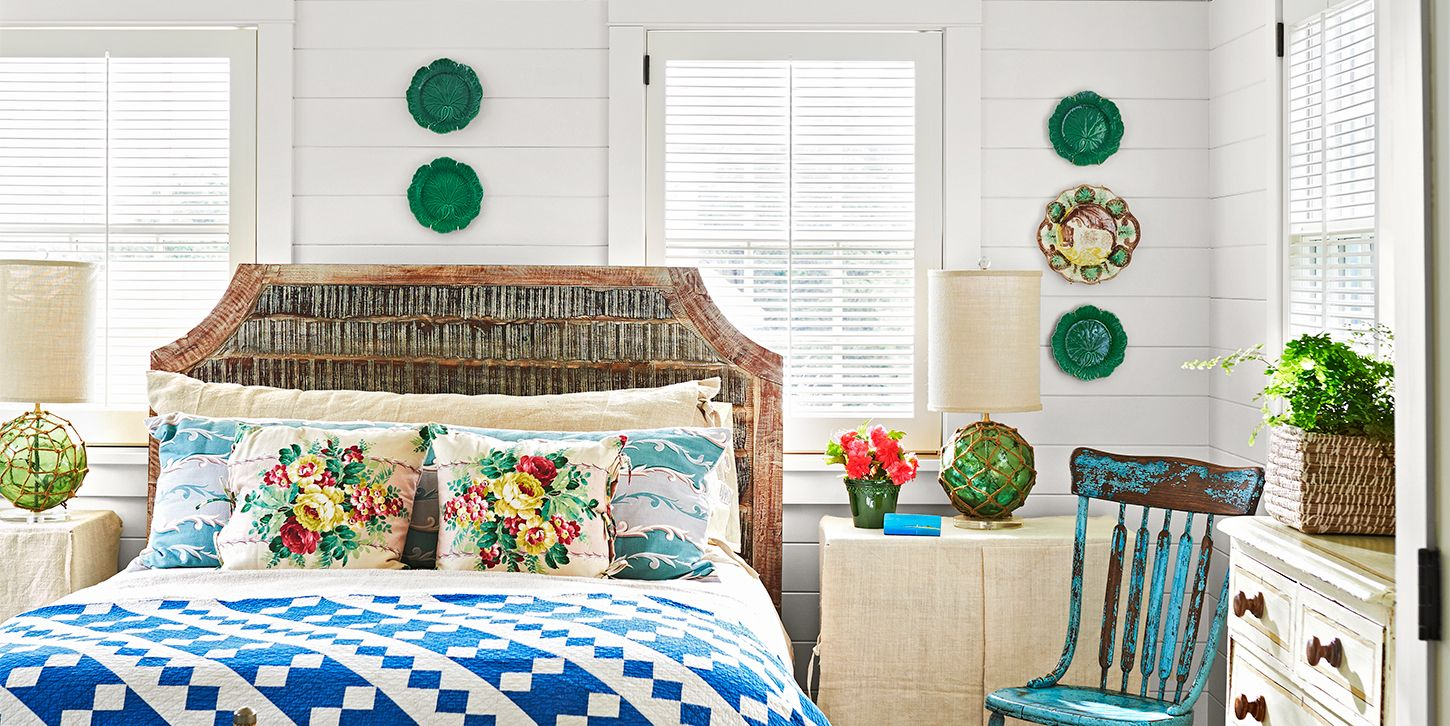 ways to decorate small bedrooms 39 guest bedroom pictures decor ideas for guest rooms 20117 | nice catch bedroom 0718 1533326727.jpg?crop=1.00xw:0.334xh;0,0