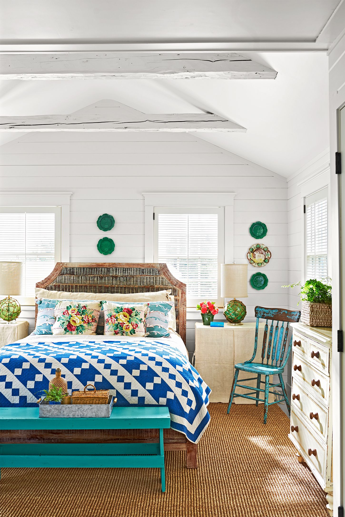 Bedroom Marthau0027s Vineyard Beach House Tour Decorating Ideas
