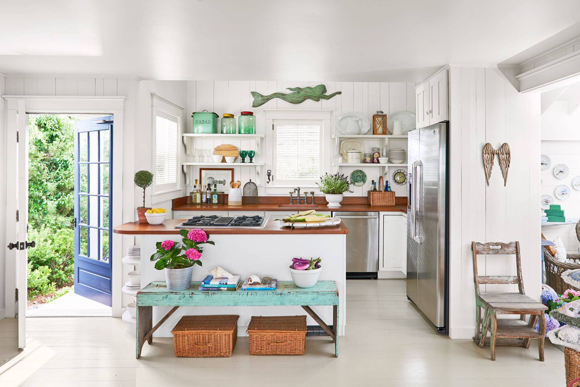 32 Ideas for Decorating Above Kitchen Cabinets   Design for Top of ...