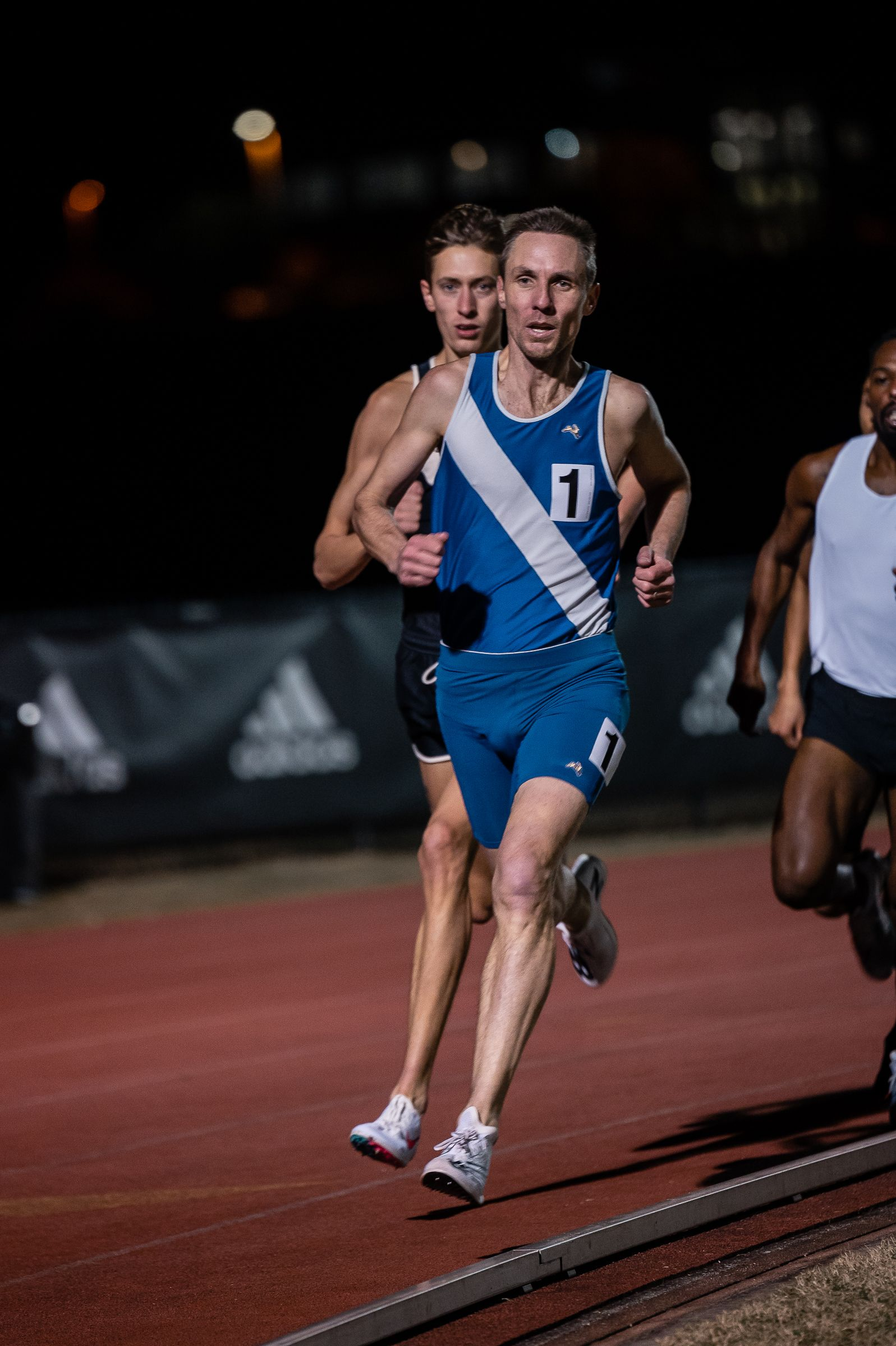 Nick Willis sets new record by running a sub-4-minute mile every year, for 19 years